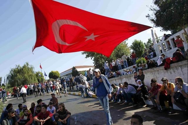 Турските власти искат от ЕС 5 милиарда евро за бежанците