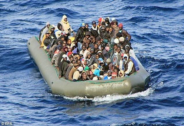 Потъна лодка с мигранти в Егейско море, най-малко 33-ма са загинали