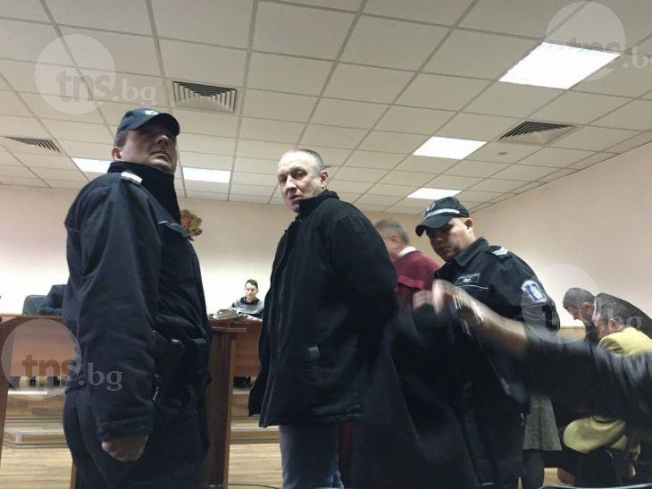 Народна певица и двама митнически шефове в съда заради разстреляния митничар Дребчев СНИМКИ