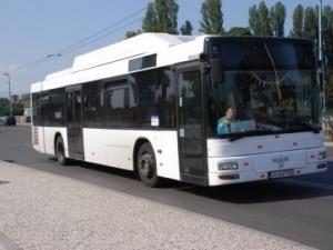 Шофьори и кондуктори по линия 1 минават курс как да общуват с пътниците