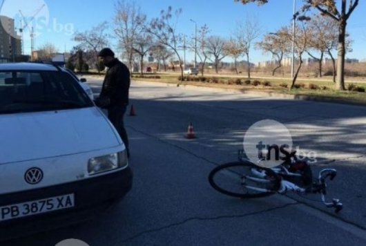 "Млад шофьор отнесе велосипедистка на булевард ""Марица"""