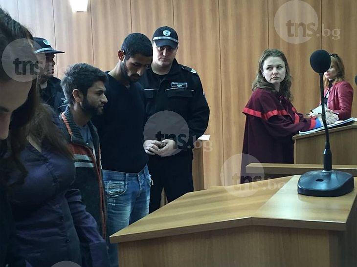 Циганите, измъчвали баба Дона, искат на свобода срещу 500 лева гаранция СНИМКИ