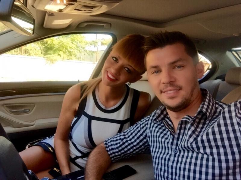 Валери Домовчийски и годеницата му Елена чакат дете СНИМКИ