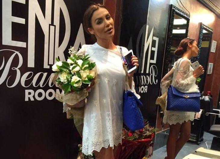 Моника Валериева пристигна в Пловдив за откриването на салона на Ралица Спасова СНИМКИ