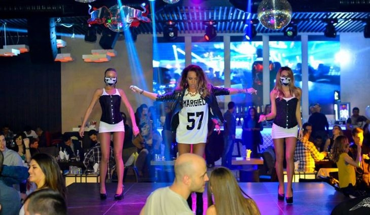 Хип-хоп парти в W Winter! 2 LICA & KRISTA взривяват клуба тази вечер! СНИМКИ