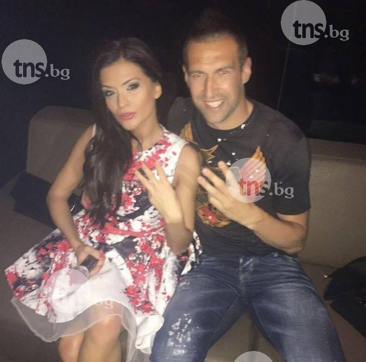 Камбуров празнува победата в W Club, Ивана пък се щракна с Mascota