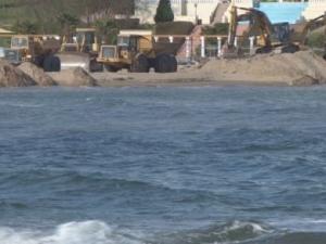Багери захапаха един от най-красивите родни плажове