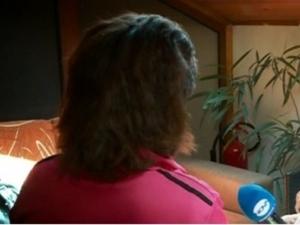 Родители карали 14-годишно момиче да проституира! Клиентите й били до 80-годишни ВИДЕО