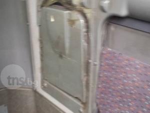 Фекалии и счупени седалки сред пътниците в градския транспорт на Пловдив СНИМКИ