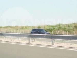 Камикадзе на магистрала Тракия! Автомобил се движи в насрещното ВИДЕО