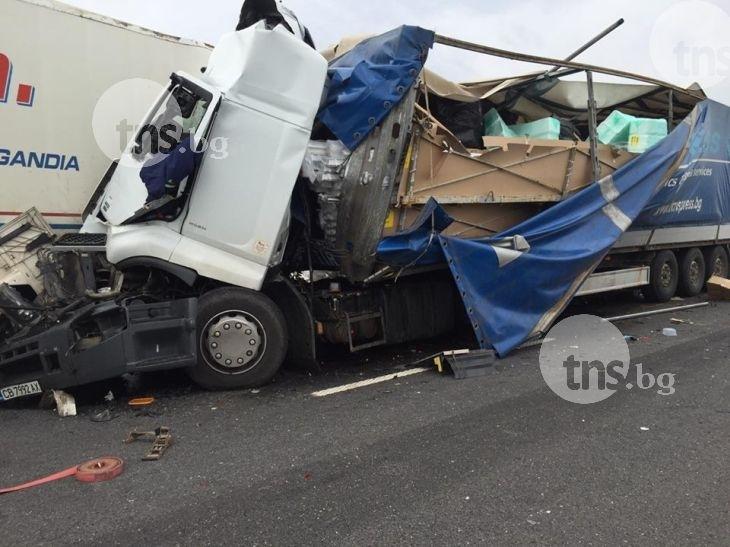 Задържаха шофьора на камиона, който уби тази нощ полицай