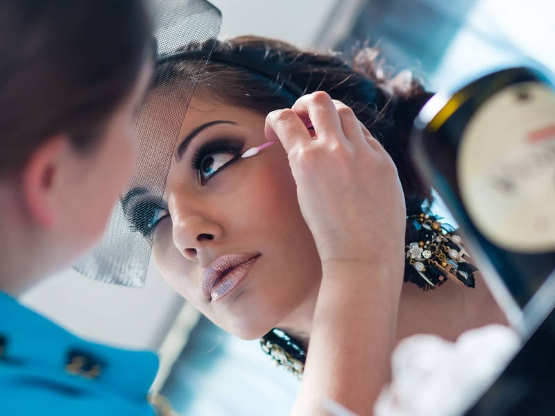 Гримьорката Красимира Петкова за новите модни тенденции, гафове и абитуриентските балове СНИМКИ