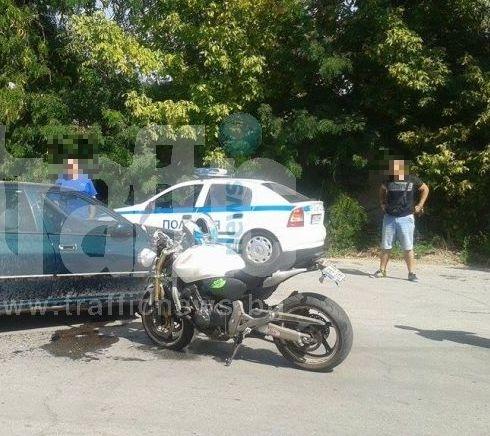 Пиян моторист хвърли през прозореца 20 лева на полицаи, погват го за три престъпления