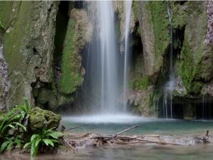 Вълшебен водопад на час от Пловдив СНИМКИ