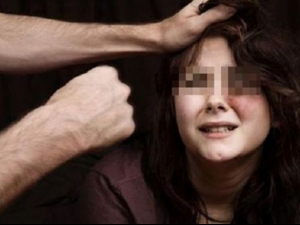 Секс тормоз в Кючука! Деца се гаврят с 13-годишно момиче
