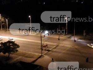 Зверски удар на кола в стълб, обърна се по таван до Ботаническата в Пловдив СНИМКИ