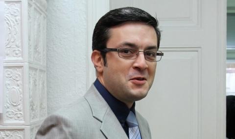 Известният журналист Тома Биков стана горд мъжки татко