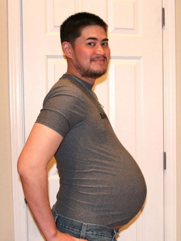 Мъжът, който роди три деца, чака четвърто от новата си жена
