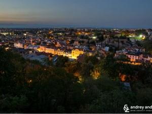 Денонощие в Пловдив! Там, където от изследване на улички и кафенета, не ти остава време за забележителности