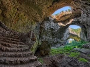 Мистерията на Деветашката пещера СНИМКИ