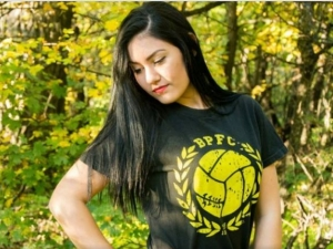 Дербито идва: Най-красивите фенки на Ботев Пловдив СНИМКИ