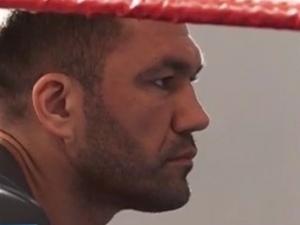 Кубрат Пулев ще бъде в синия ъгъл по време на мача със Самюел Питър