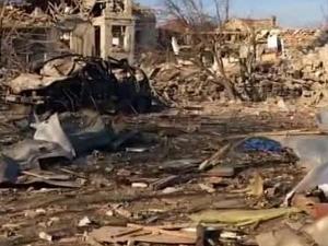 Започна пълна евакуация на Хитрино, линейки и пожарникари продължават да прииждат СНИМКИ