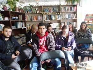 Пловдивски ученици се докоснаха до най-нежния поет на България - Дебелянов СНИМКИ