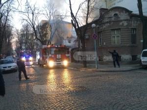 Пожар избухна в сервиз в Пловдив, подпали къща, има ранен СНИМКИ+ВИДЕО