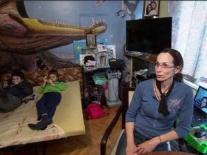Вдовицата от Пловдив и 3-те й деца няма да имат коледна украса, винаги го правили с баща си