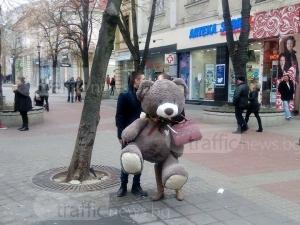Романтична изненада в сърцето на Пловдив СНИМКИ