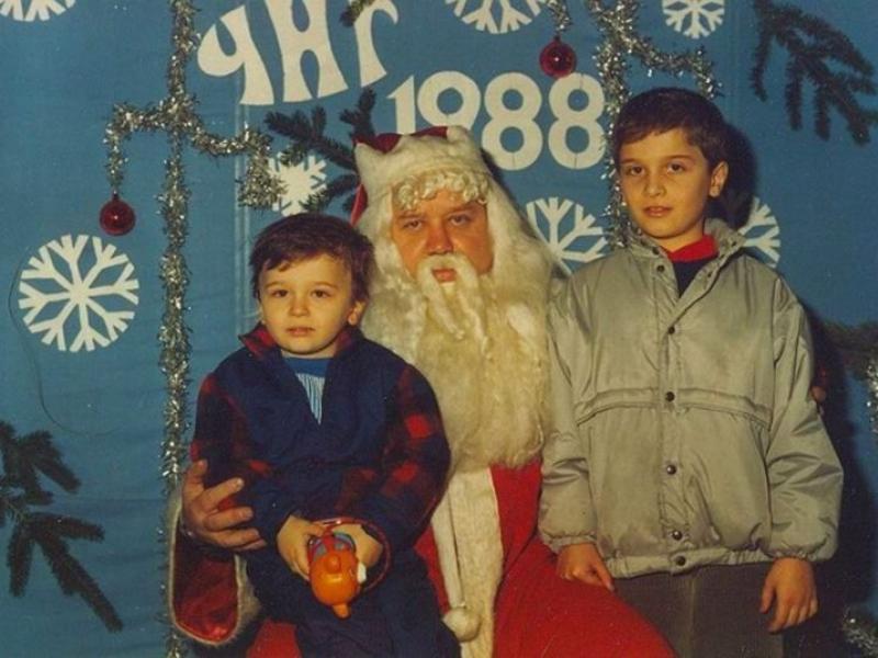 Спомени от соца: Когато 25 декември не беше Коледа, а един обикновен ден СНИМКИ