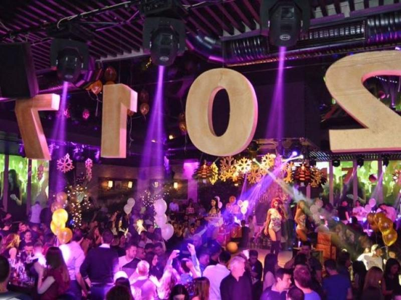 Последното парти за 2016-а ще се помни дълго! DARA с фурор в W Club СНИМКИ