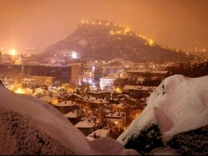 Сняг заваля в Пловдив! Въведоха ограничения по пътищата! ВИДЕО