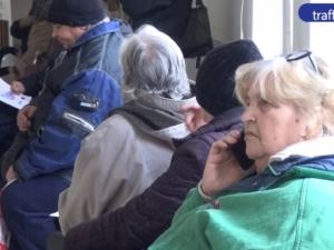 Грипът препълни пловдивските поликлиники, хора се самолекуват ВИДЕО