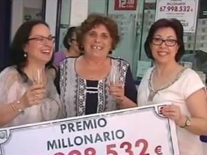 Милионерката Гошка се върна в испанското си село, не почерпила