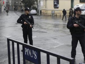 Задържаните за терористичната атака в Истанбул вече  са 12