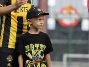 Малкият Коста от Цалапица спечели войната с тежката болест ВИДЕО
