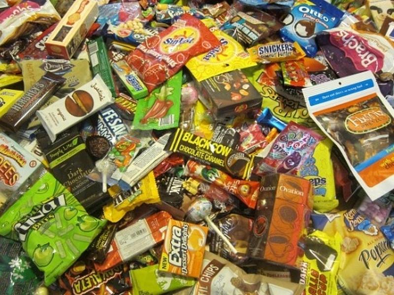 Крадци се запасиха за купон - откраднаха газирани напитки и сладки