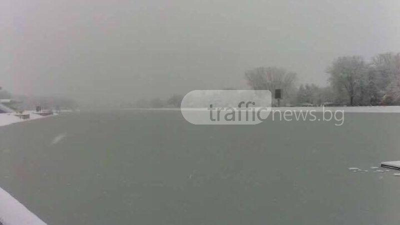 Сибирският студ в Пловдив продължава, утре - сняг