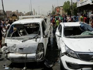 Кола бомба уби най-малко 12 души на пазар