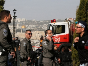 Камион се удари в група военни в Йерусалим, има убити