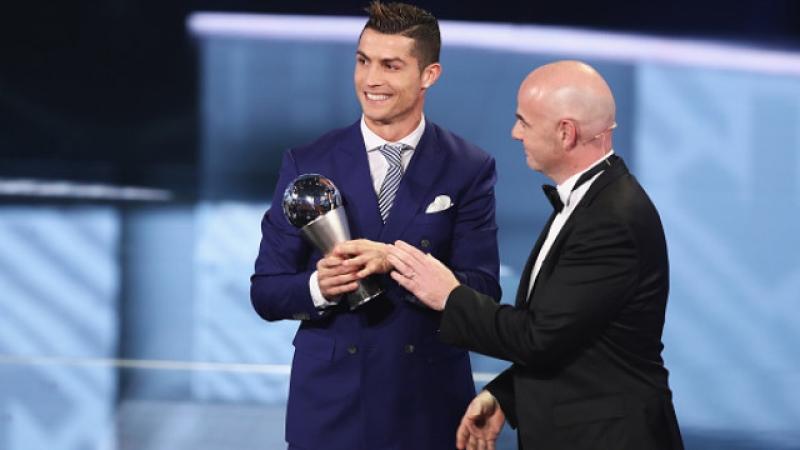 Кристиано Роналдо грабна най-високото отличие на ФИФА