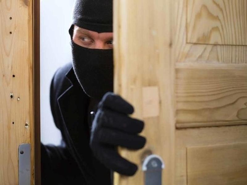 Крадци обраха незаключено жилище в Пловдив