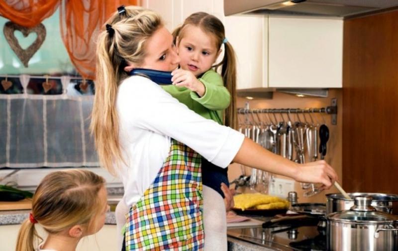 Послание във Фейсбук към всички неработещи майки