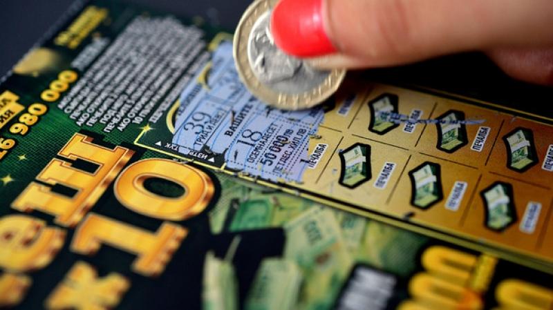 17-годишен открадна печеливш лотариен билет от дядо след селфи