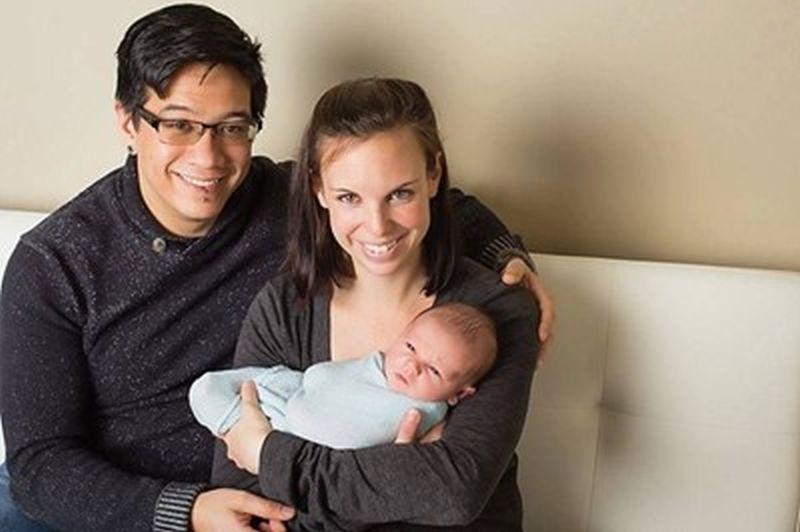 Американска двойка кръсти бебето си на град Девин