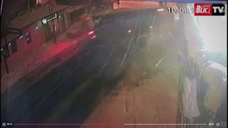 Автобус се заби в къщата на Цеца Величкович ВИДЕО