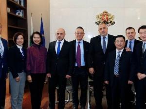 """България става меката на китайските стоки, вдигат логистичен център на """"Алибаба"""""""