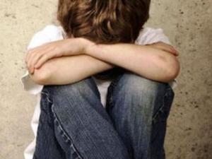 Арестуваха мъж, пребил 6-годишно дете, счупил му и ръката